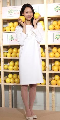 春らしい白のワンピで登場した相武紗季 =『AMAZING!フロリダグレープフルーツフェア』スタートイベント (C)ORICON NewS inc.