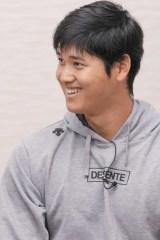 日本テレビ系スポーツ情報番組『Going! Sports&News』(毎週土曜・日曜 後23:55)と『別冊カドカワ 大谷翔平』(KADOKAWA)で大谷翔平とKAT-TUNの亀梨和也が対談 (C)日本テレビ