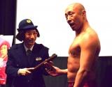 映画『商店街戦争〜SUCHICO〜』の初日舞台あいさつに出席したすっちー(左)と武田幸三 (C)ORICON NewS inc.