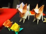 折り紙で作ったバラとパピヨン=Eテレの特集番組『オリガミの魔女と博士の四角い時間』の試写会 (C)ORICON NewS inc.