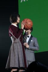 「バスケ フリースロー」で見せ場を作った欅坂46・平手友梨奈=『つぶやきFES 博欅場所〜GUM ROCK FES2〜』