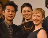 舞台『俺節』製作発表会見に出席した(左から)福士誠治、高田聖子、シャーロット・ケイト・フォックス (C)ORICON NewS inc.