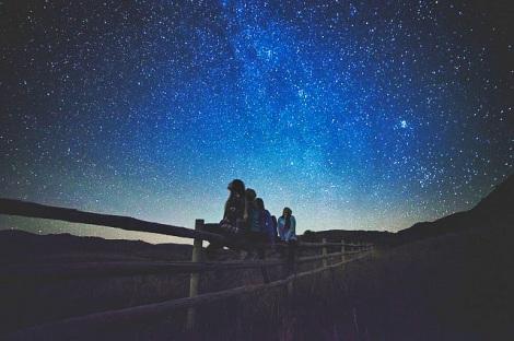 """星空教室や天体観測などの""""自然体験イベント""""も開催(写真はイメージ)"""