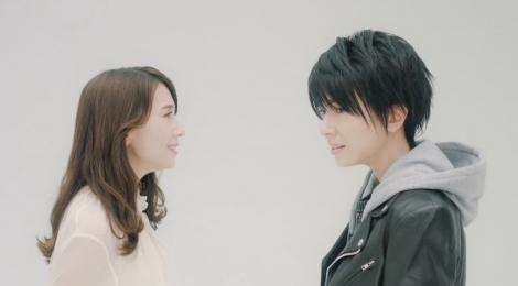 May J.が男女2役のデュエットに挑戦した新曲「めぐり逢えたら」MV