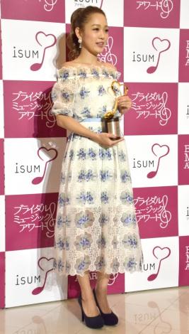 『2016年度ISUMブライダルミュージックアワード』を受賞した西野カナ (C)ORICON NewS inc.