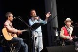 ビリー・バンバンが3年越しの45周年記念公演を開催