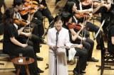 昨年もゲスト出演した女優の吉永小百合が詩の朗読で参加