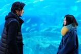 俳優の速水もこみち(左)が15日に放送される日本テレビ系連続ドラマ『東京タラレバ娘』第5話より出演 (C)日本テレビ