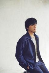 2013年のアルバム収録曲「Girl」をリカットシングルとしてリリースする秦基博