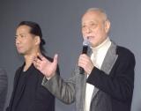 """EXILE HIRO(左)が撮影現場に""""コンビニ""""を差し入れしたことを明かした津川雅彦 (C)ORICON NewS inc."""