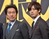 映画『孤狼の血』の製作発表会見に出席した(左から)役所広司、松坂桃李 (C)ORICON NewS inc.