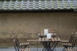 イケアの家具でコーディネートされた醍醐寺境内の「cafe sous le cerisier」