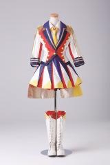 「恋するフォーチュンクッキー」衣装 (C)AKS/TAKARAJIMASHA