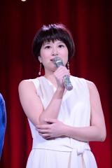 舞台『野良女』のゲネプロ前に囲み取材を行った佐津川愛美