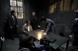 警察署内で取り調べを受けるシーンが公開された (C)2017 映画「ジョジョの奇妙な冒険 ダイヤモンドは砕けない 第一章」製作委員会