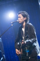カバーズゲストの斉藤和義(C)NHK