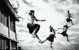 セーラー服姿の4人組「新しい学校のリーダーズ」がメジャーデビュー