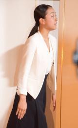 会見の最後には目に涙をためた浅田真央=都内で行われた現役引退会見 (C)ORICON NewS inc.