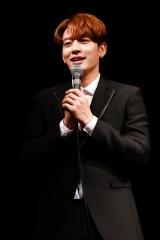 ミュージカル『メイビー、ハッピーエンド』製作発表会見に出席したチェ・ドンウク(SE7EN)
