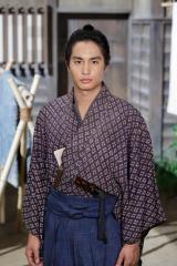NHK・BSプレミアムのBS時代劇『赤ひげ』11月3日スタート。青年医師役は中村蒼(C)NHK