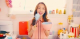 板野友美の9thシングル「#いいね!」MVより