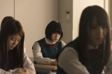 欅坂46の主演連続ドラマ『残酷な客観達』より(C)「残酷な観客達」製作委員会
