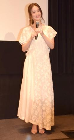 白のレースワンピで登場した佐々木希=映画『光をくれた人』のトークイベント (C)ORICON NewS inc.