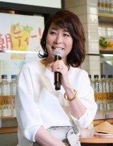 期間限定カフェ『サントリー天然水 PREMIUM MORNING CAFE』のオープニングイベントに出席した内田恭子