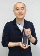 喜びのコメントを寄せた遊川和彦氏(受賞カット)