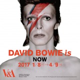 大回顧展『DAVID BOWIE is』のポスター