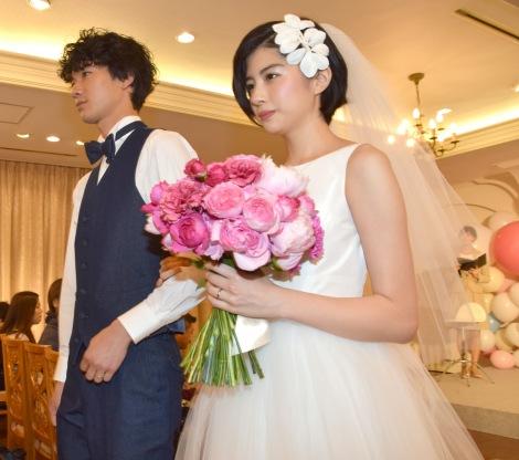 結婚情報誌『ゼクシィ』新CM発表会に出席した(左から