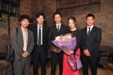 (左から)安田顕、 岡田将生、長谷川博己、佐々木希、駿河太郎 (C)TBS