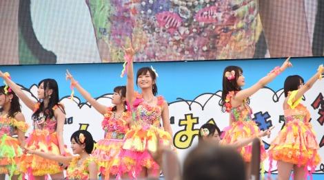 「365日の紙飛行機」を披露したNMB48=「KawaiianTV presents スペシャルステージ」 (C)ORICON NewS inc.