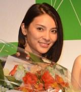 ソロデビューシングル「愛してたの」発売日記念ミニライブに出演した秋元才加 (C)ORICON NewS inc.