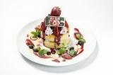 東京・池袋パルコ「君の名は。」カフェのメニューより。「瀧と入れ替わった三葉も思わず写真を撮りたくなったパンケーキ」(1480円・税抜き)