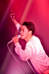 Suchmos『TOUR THE KIDS』東京・新木場STUDIO COAST公演より(ボーカルYONCE)