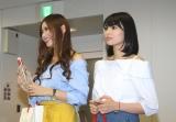 オリコン本社を訪問したモデルの近森カナと双子アイドルの姉・ららぴ (C)oricon ME inc.