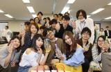 オリコン本社を訪問した双子アイドルの姉・ららぴとモデルの近森カナ (C)oricon ME inc.