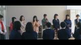 全校生徒13人の静岡県浜松市立鏡山小学校をAKB48の選抜メンバーが訪れた