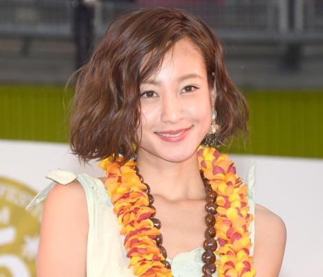 西山茉希の笑顔画像