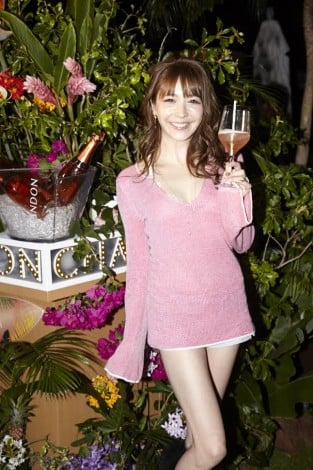 「CHANDON PASSION presents TROPICAL DISCO」に登壇した藤井リナ
