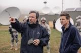 『メッセージ』のドゥニ・ヴィルヌーヴ監督、右はジェレミー・レナー