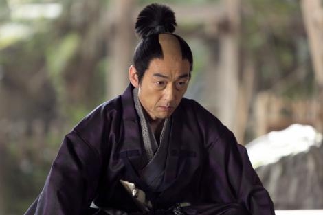 NHK大河ドラマ『おんな城主 直虎』第2回より。小野政直(吹越満)(C)NHK