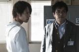 民間警備会社を題材したドラマ『4号警備』5月20日放送、最終回より。左から、朝比奈(窪田正孝)と石丸(北村一輝)(C)NHK