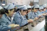 連続テレビ小説『ひよっこ』ヒロイン・みね子が勤めるトランジスタラジオ工場(C)NHK