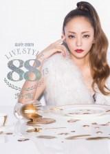 安室奈美恵の100公演ツアーDVD/BDが同時1位