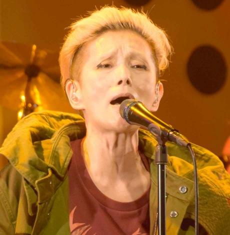 ライブハウスツアーでムッシュかまやつさんを偲ぶ歌詞を入れ込んだ新曲「空」を歌った夏木マリ (C)ORICON NewS inc.