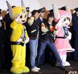 映画『ラストコップ THE MOVIE』横浜凱旋舞台挨拶に登場した(左から)ピーガルくん、唐沢寿明、窪田正孝、リリポちゃん (C)ORICON NewS inc.