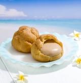 雪塩入りのチョコクリームを使った『ジャンボシュークリーム(夏チョコ)』(124円)