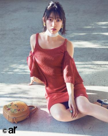 サムネイル 上品な夏ファッションを披露した乃木坂46・堀未央奈(主婦と生活社)